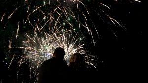 Zdjęcie z realizacji weselnego pokazu fajerwerków w Turku niedaleko Łodzi.